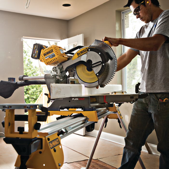 How To Cut Baseboard Outside Corners With Miter Saw 3